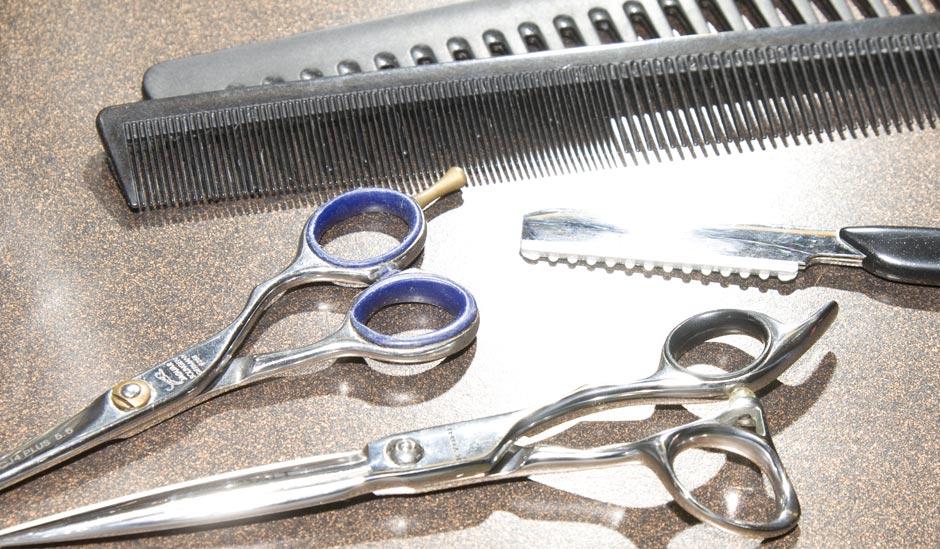 Friseur Handwerkszeug, Friseurschere und Kamm